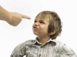 7 фраз, которые могут развить в ребенке комплексы на всю жизнь.